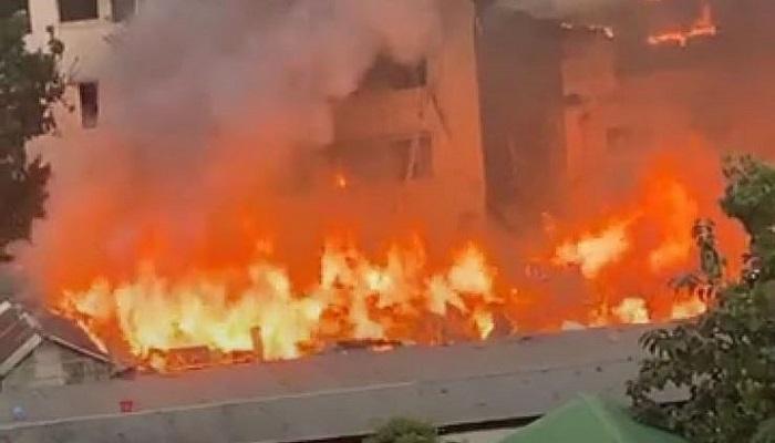 Mohammadpur Bihari Patty fire doused